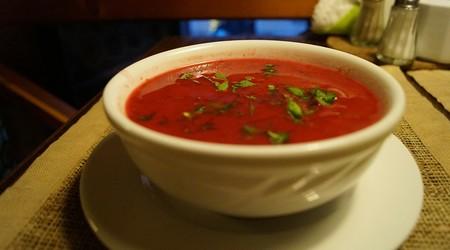 ilustrační obrázek k článku Detoxikační polévka z rajčat a řepy